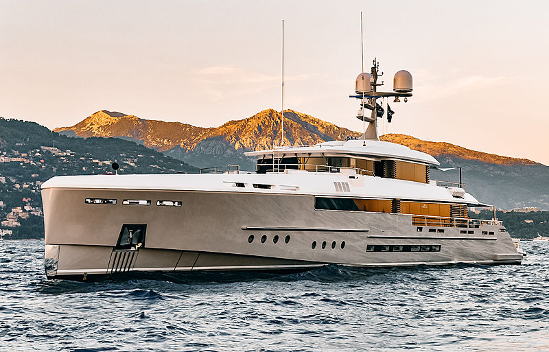 Endeavour II motor yacht by Rossinavi in Monaco