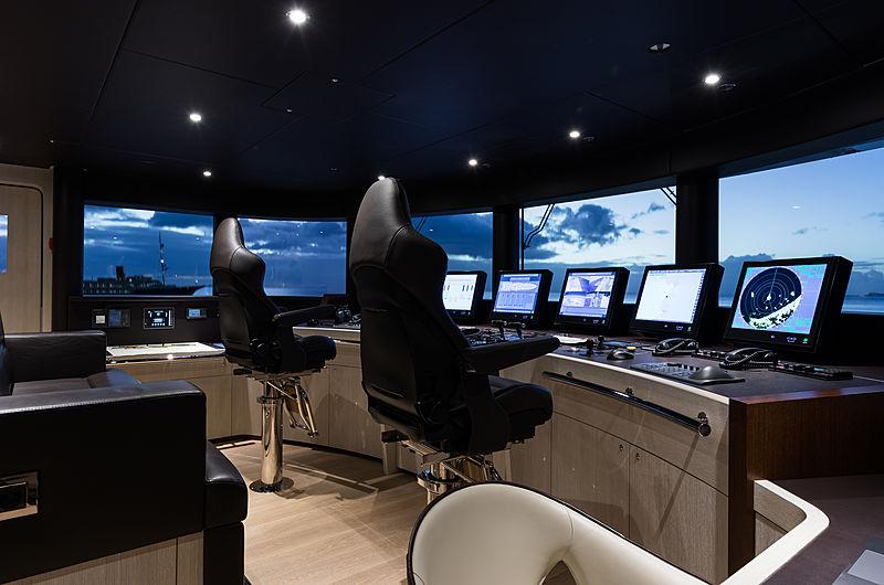 Laurentia motor yacht by Heesen Yachts