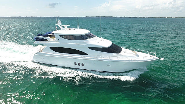 LA MER yacht Hatteras