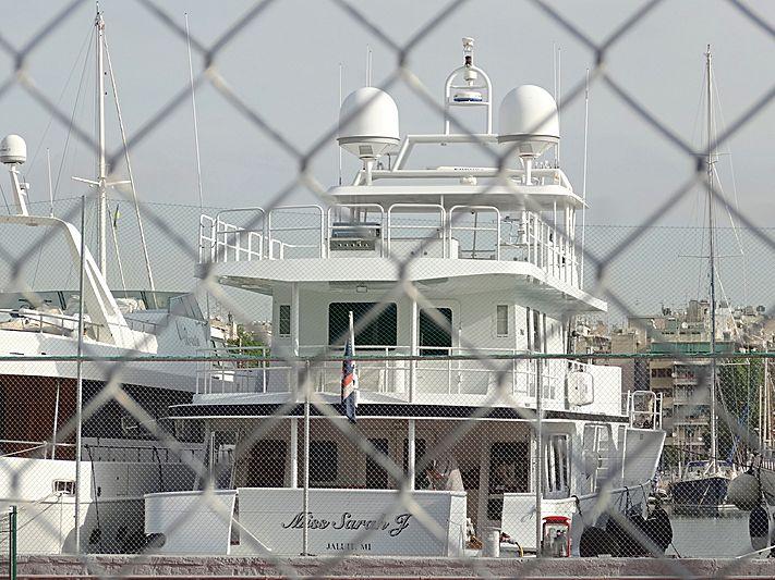 MISS SARAH J yacht Inace