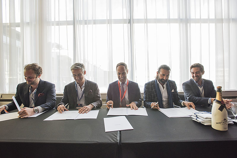Feadship signing contract for Refit & Services