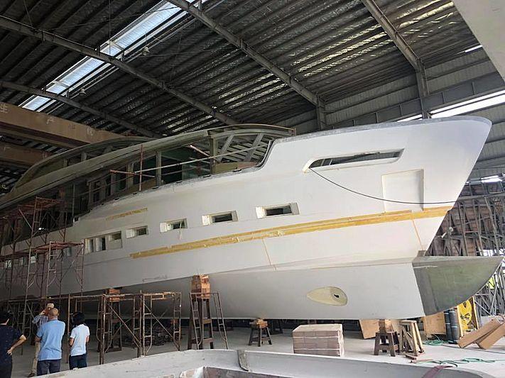 Heysea Atlantic 115 Dopamine under construction