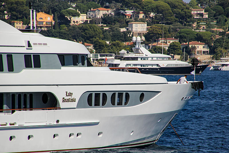Lady Anastasia in Juan-les-Pins