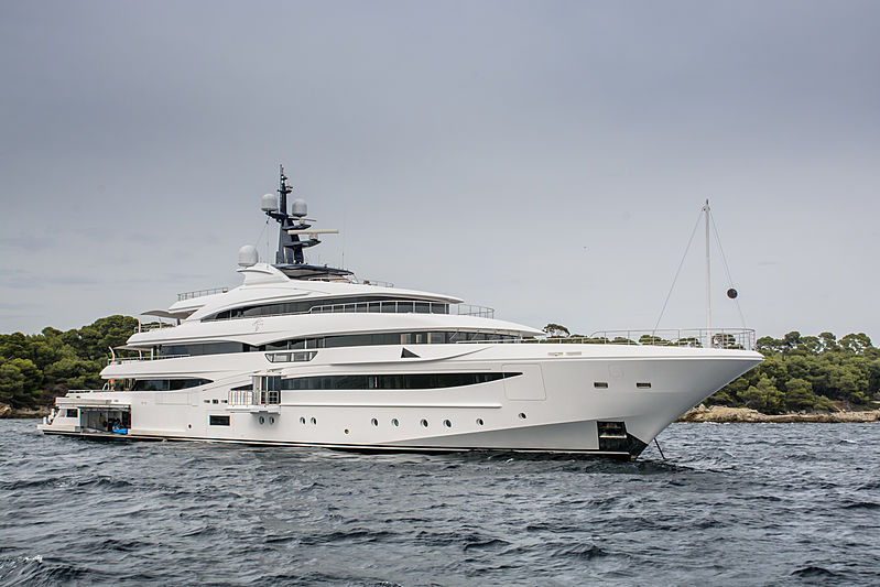 Cloud 9 yacht in Cannes