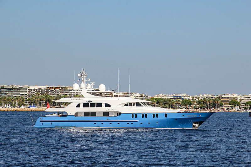 Dr No No yacht in Cannes