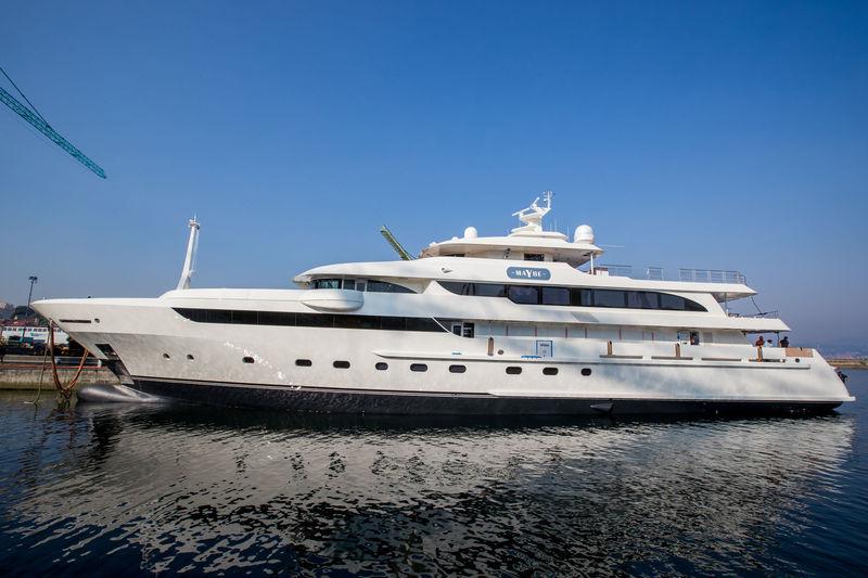 MAYBE yacht Metalships & Docks