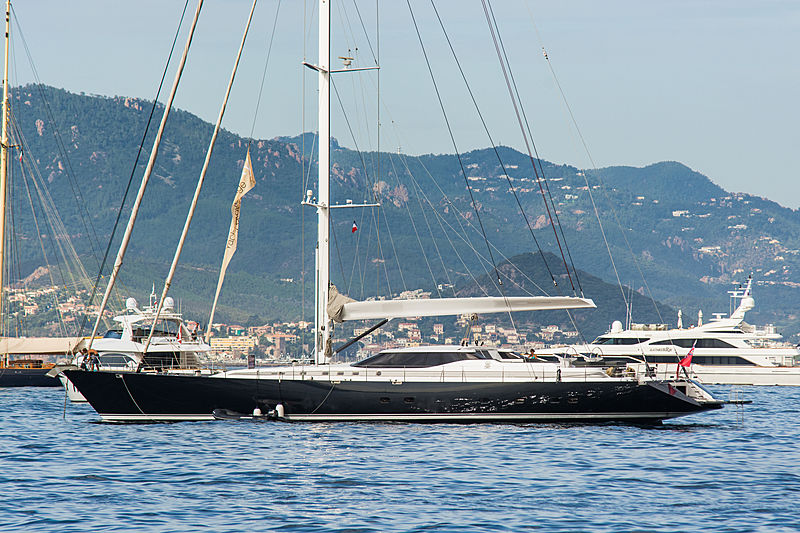 Damahwil yacht in Cannes