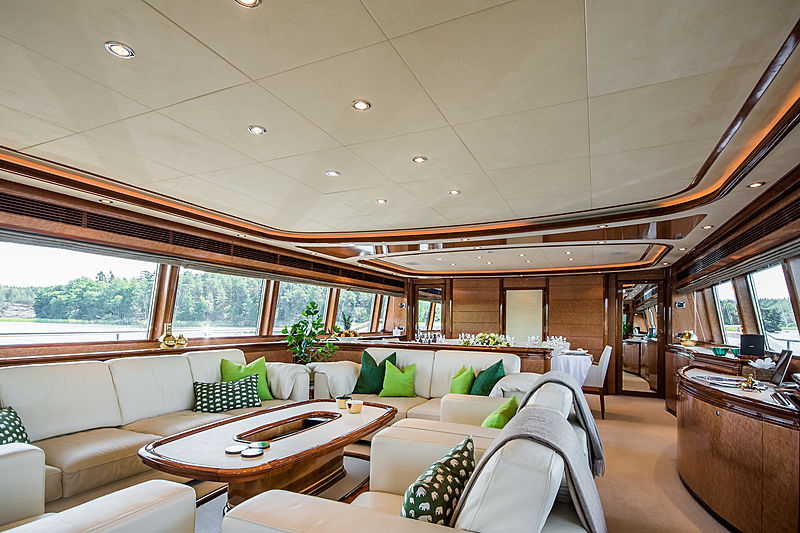 Queen of Sheba yacht saloon