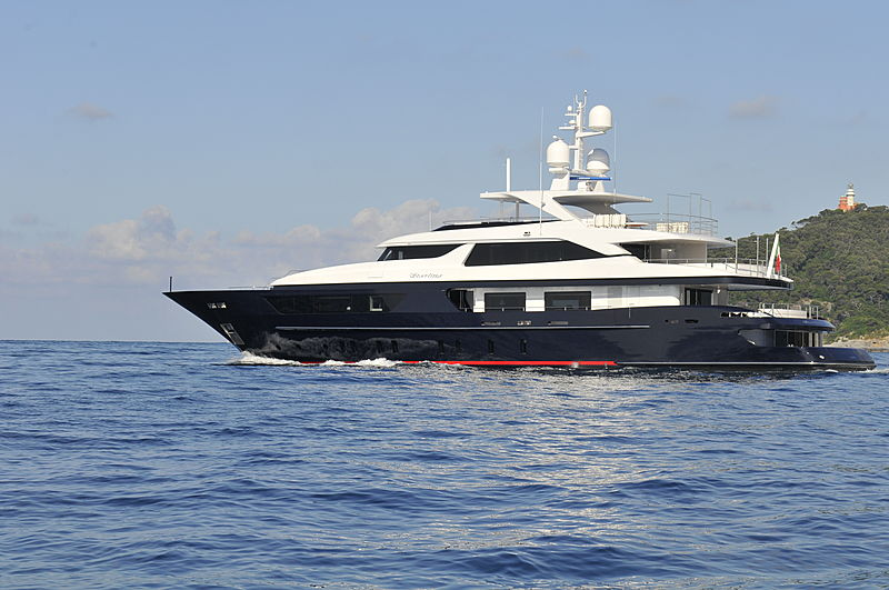 Forwin yacht exterior