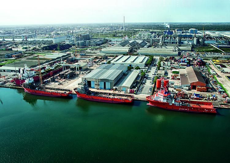 Rosetti Superyachts shipyard