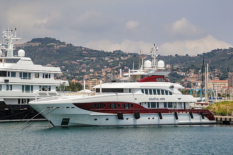 Celestial Hope yacht in Imperia