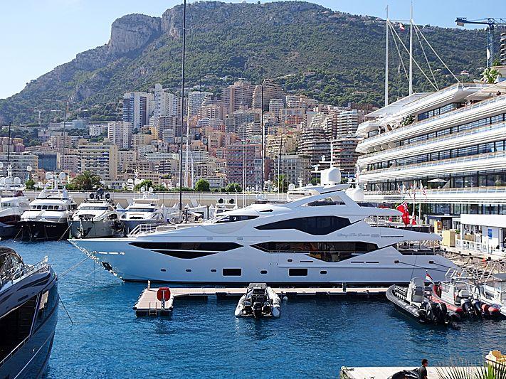 Living The Dream yacht in Monaco