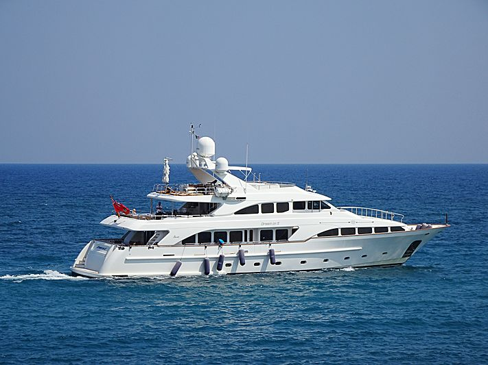 Dream On II leaving Calaponte Marina