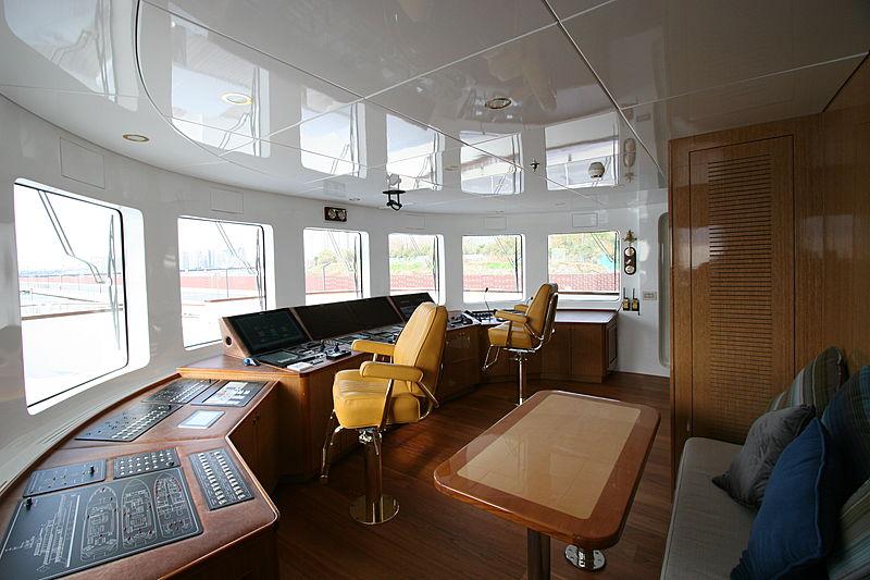 Meteor yacht wheelhouse