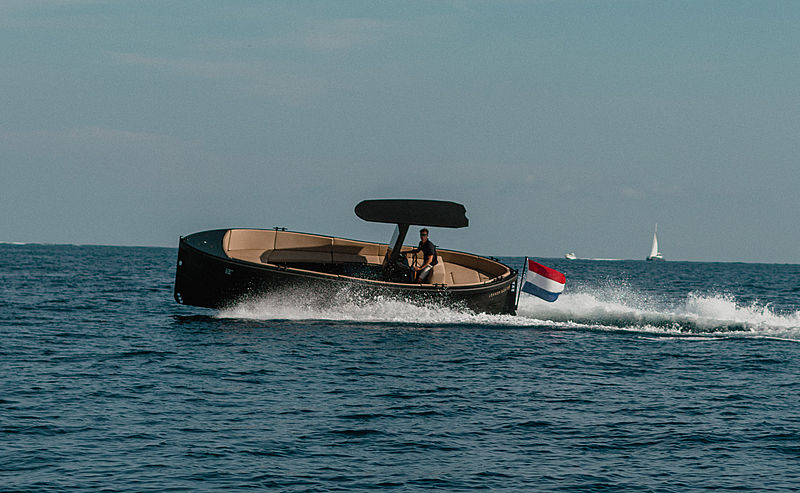Lekker Boats Dankso models in action