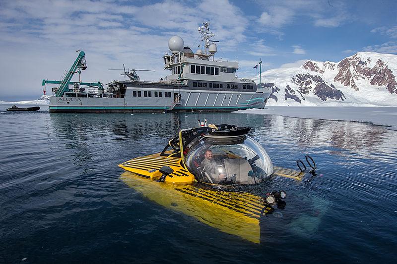 Alucia yacht in Antartica