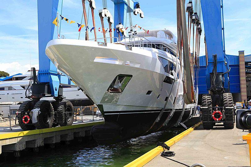 Benetti Mediterraneo 116 yacht Good Day launch