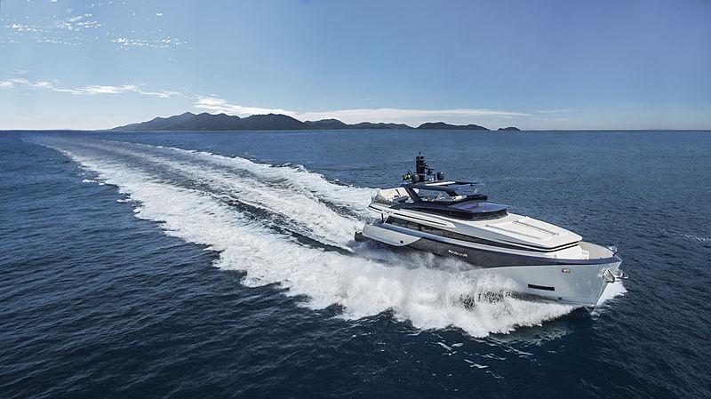 Ragnar yacht cruising