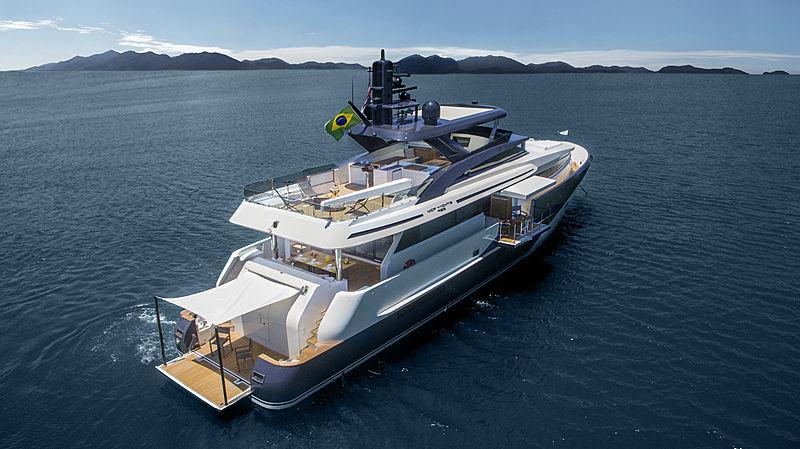 Ragnar yacht anchored