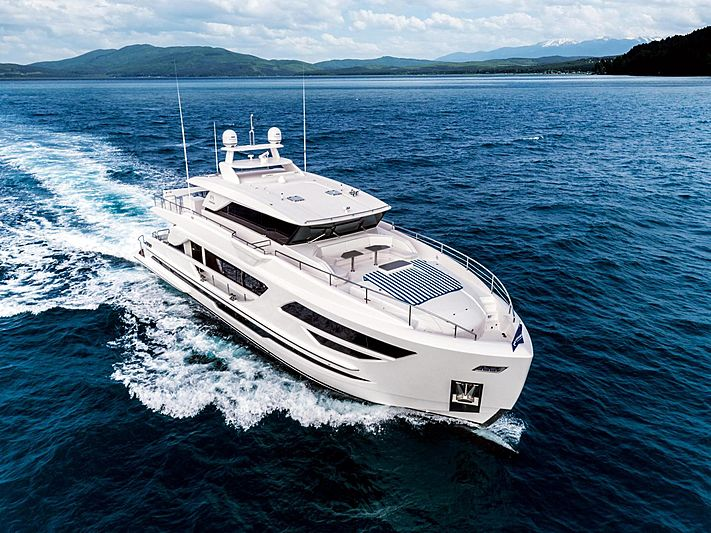 Horizon yacht FD87/03 cruising