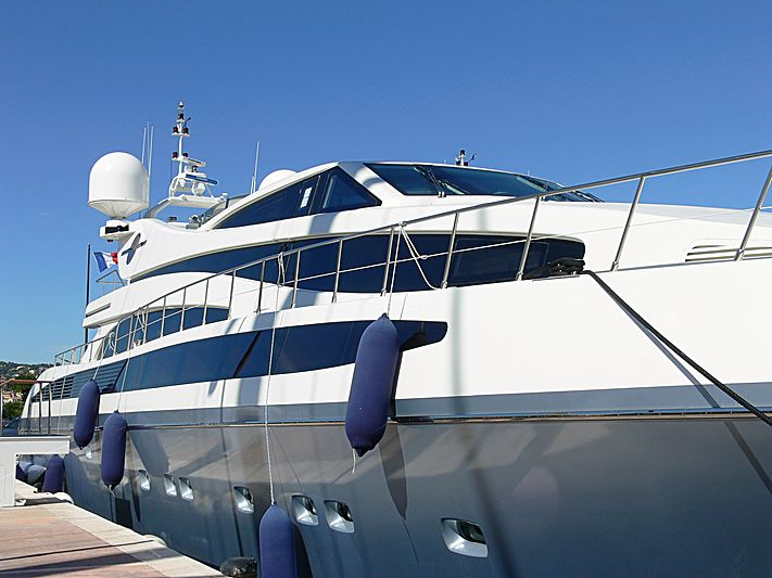 M.J. Taknm yacht in Port Canto