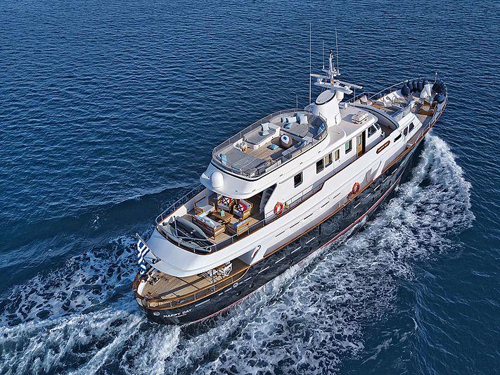 Happy Day yacht cruising