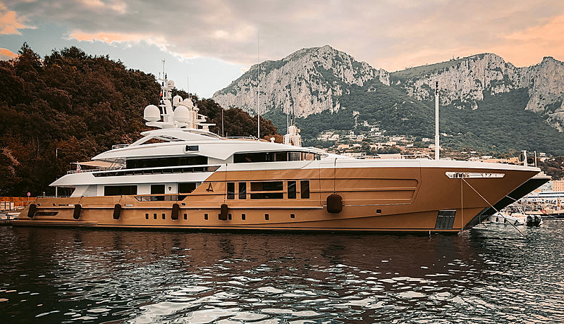 Azamanta yacht by Heesen Yachts in Capri