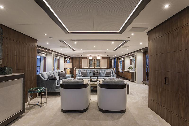 Skyler yacht main saloon
