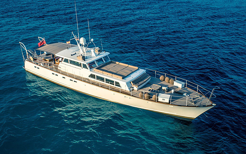 Ciutadella yacht anchored