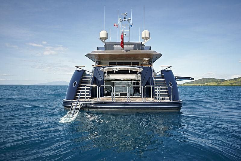 Loretta Anne yacht stern