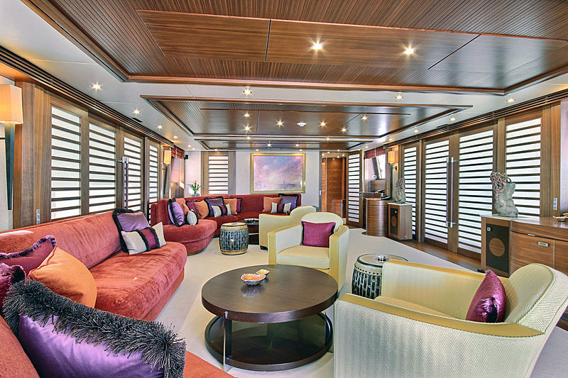 Balista yacht saloon
