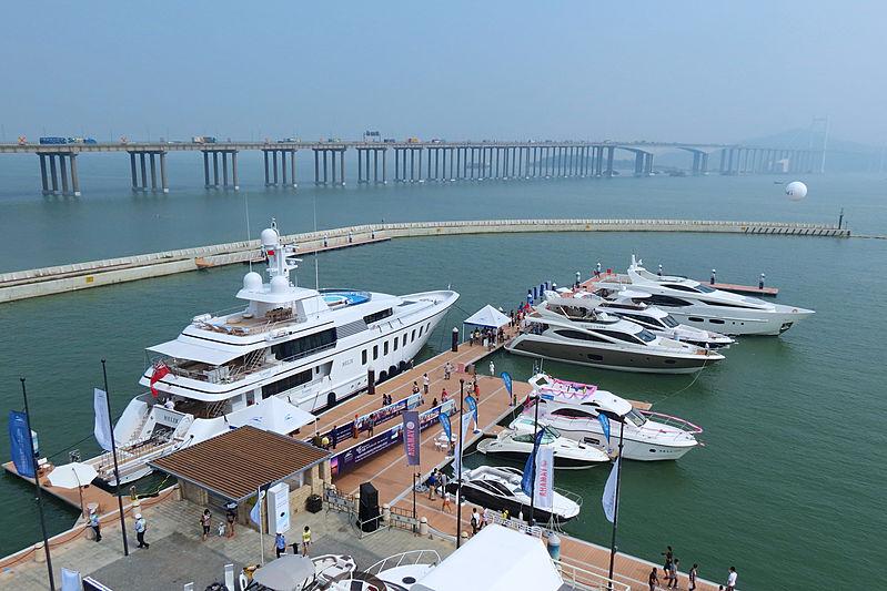 Helix yacht in Nansha