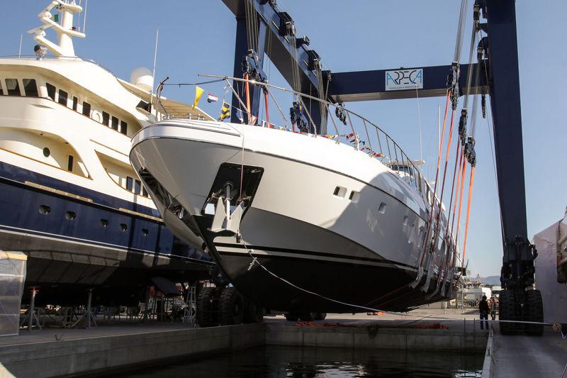 MANGUSTA yacht Overmarine