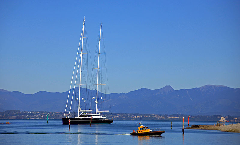Aquijo yacht arriving in Nelson