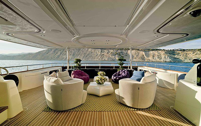 Bunker yacht aft deck