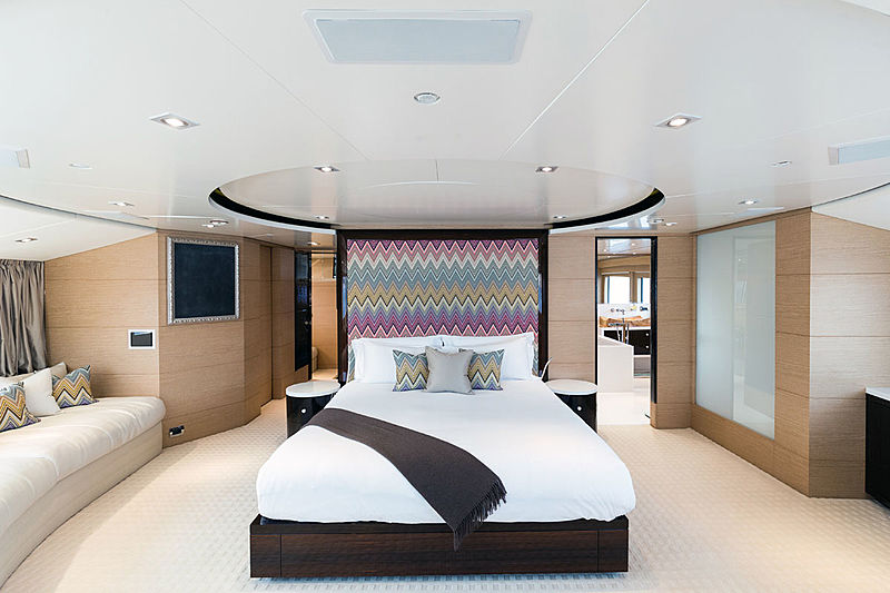Moka yacht owner's cabin