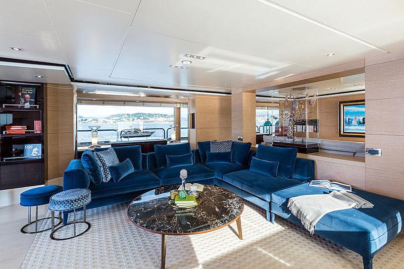 Moka yacht main saloon
