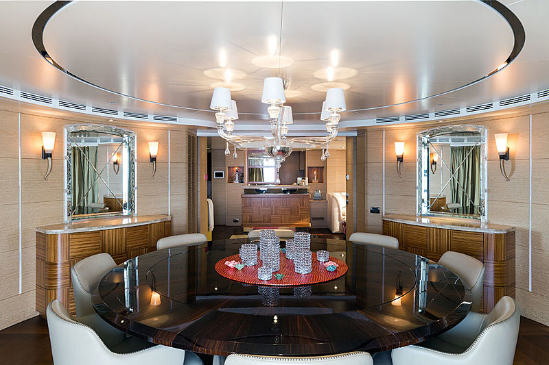 Moka yacht dining room
