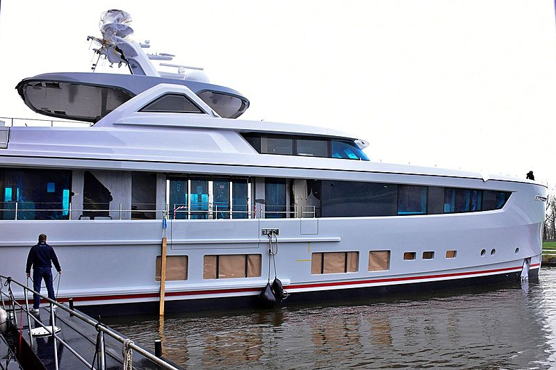 36m Calypso yacht makes her first appearance at Mulder
