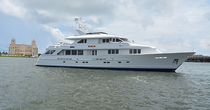 AR-DE yacht Burger Boat Company