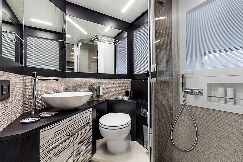 Pershing 8X yacht bathroom