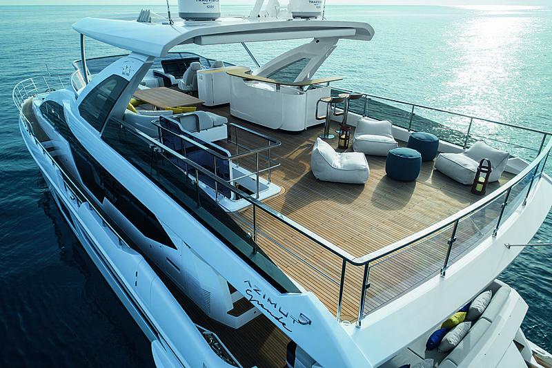 Azimut Grande 25 Metri yacht sundeck