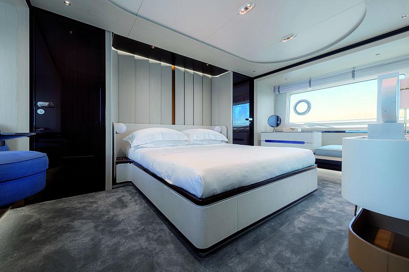Azimut Grande 25 Metri yacht interior