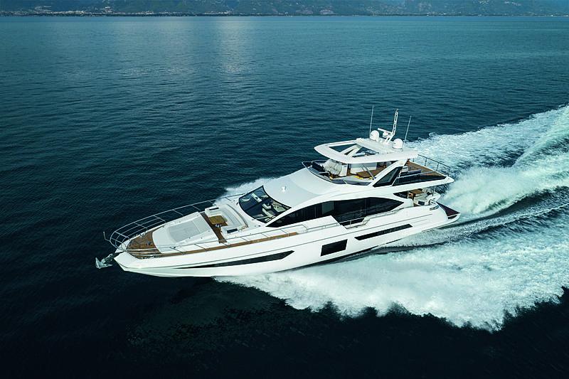 Azimut Grande 25 Metri yacht running