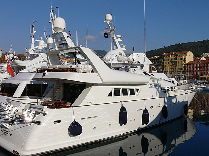 Timeless yacht in Nice