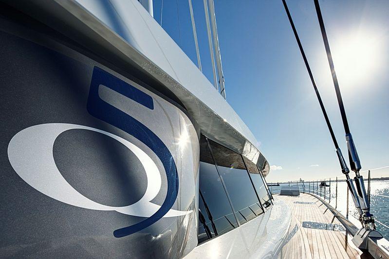 Quintessential yacht deck