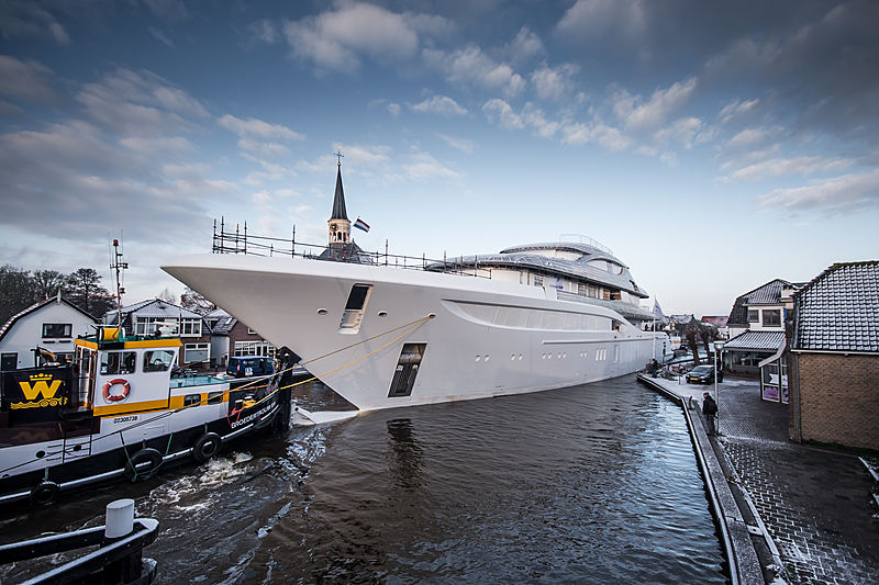 Feadship project 705 hull transport