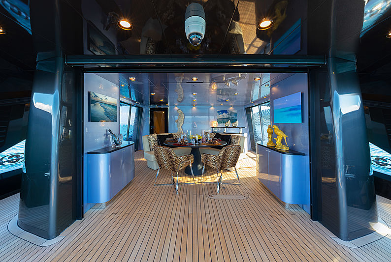 Freedom yacht saloon by Roberto Cavalli