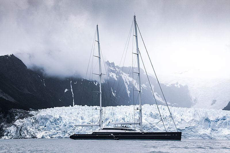 Patagonia Aquijo anchored