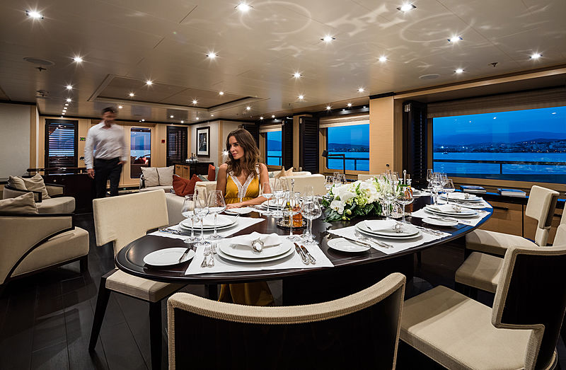 Grace yacht dining room